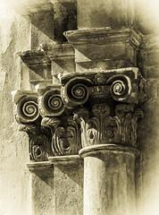 Iglesia de Falset (Ricardo Pallejá) Tags: priorat piedra falset monocromo monocromático catalonia cataluña old viejo arquitectura architecture iglesia ricardopallejáherrera explore