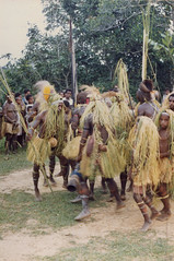 Muyu-Mandobo-011c (Stichting Papua Erfgoed) Tags: pietvanmensvoort msc papua stichtingpapuaerfgoed pace nieuwguinea nederlandsnieuwguinea irianjaya papuaheritagefoundation voormalignederlandsnieuwguinea