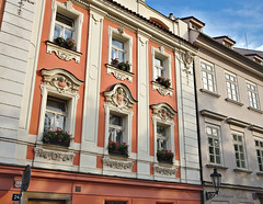 Prague_DSF2262 (gterhove) Tags: prague building flowers streetphotography xt2 fujifilm