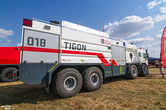 PYROCAR 2018 | Rosenbauer TIGON large tank fire truck (martin_king.photo) Tags: pyrocar pyrocar2018 rosenbauer rosenbauergroup roresbauertigon all new brandnew unique springwork springwork2018 silage silage2018 rye tatra tatratrucks green clouds cloudyday outdoor today tatragroupvolvopenta agro truck firetruck strong huge big machine sky martin king photo machinery machines tschechische republik powerfull power dynastyphotography lukaskralphotocz great day czechrepublic fans work place tschechischerepublik martinkingphoto working modern colorful colors blue photography photographer canon daily tires onwheels skyline posing country show happy beautiful flickr world eos colours 8x8