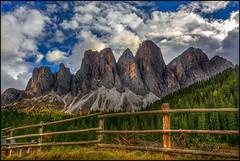 Blick von Villnöß auf die Geislergruppe (angelofruhr) Tags: italien italy geislergruppe villnös dolomiten funes valdifunes
