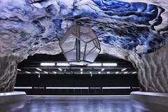 Tekniska Högskolan (Douguerreotype) Tags: futuristic underground tunnelbana blue tbana sweden city station sign stockholm geometry arch art tunnel metro architecture subway urban sverige geometric scifi tube