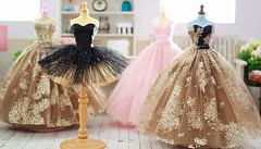 The Luxe Collection for Blythe Fest Tasmania. (Trio Blythe) Tags: blythe handmade trio trioblythe trioforblythe blythefesttasmania blythefest2018 gowns couture dollcouture glitter black gold pink