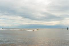 Vagues (Fabrice Denis Photography) Tags: seascapephotography kodakultramax400 ocean argentique vagues coastal oceanphotography coastalphotography seascapephotos seascapephotographer seascapes nikonf100 sea saintpierredoléron nouvelleaquitaine france fr