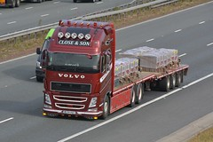 MC04 HAY (panmanstan) Tags: volvo fh wagon truck lorry commercial flatbed drawbar freight transport haulage vehicle a1m fairburn yorkshire