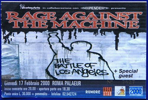 Rage Against The Machine #ratm #concerti 🎸#rock #funk #metal #hiphop #heavyrock #punk #rocknroll #hardrock #2000 #palaeur 🎥#elettritv💻📲 #guerrillaradio 🔊 #musicaoriginale #sottosuolo 🙌 #live #musica