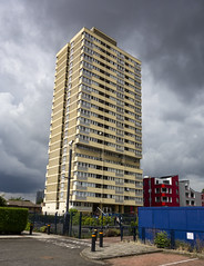 Brassett Point, Plaistow (London Less Travelled) Tags: uk unitedkingdom england britain london eastlondon suburb suburbia plaistow stratford newham urban city street socialhousing tower block sky
