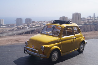 1968 Fiat 500 L diecast 1:24 by Burago