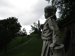 Frankie - Irwin Franklin Ward Child Statue 7228 (Brechtbug) Tags: frankie irwin franklin ward child statue holding bayonet knife tomb stone cemetery grave childs greenwood sculpture died age three 1880 children boy young man kid nap resting graveyard yard tombstone marker mourning brooklyn nyc 2018 new york city 08122018