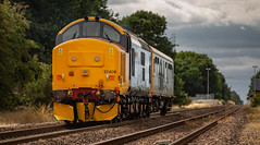 DRS Class 37/4 no 37409 propels Caroline through the old Rushley Sidings on 22-08-2018. (kevaruka) Tags: drs directrailservices class37 syphon 37612 retford nottinghamshire networkrail britishrail englishelectric england colour colours color colors countryside flickr frontpage thephotographyblog telephototrains summer august 2018 canon canoneos5dmk3 canon5dmk3 canonef100400f4556l 5d3 5diii 5d 5dmk3 europe yellow blue green composition locomotive trains train railway historic heritage 37409 caroline