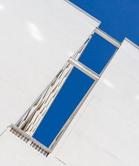 The blue opening (jefvandenhoute) Tags: belgium belgië belgique brussels brussel light lines shapes geometric blue wall