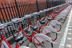 XE3F1588 - Bikes (Enrique R G) Tags: dianmenwaiave calle street pekín beijing china fujixe3 fujinon18135 bici bicis bike bikes