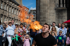 Edinburgh Festival Fringe 2018-85 (Philip Gillespie) Tags: edinburgh scotland festival fringe summer gardens sky sun clouds colours green yellow blue white black red purple orange pink water canon 5dsr photography color urban 2018 bright colourful wet outdoor outside people men women man woman kids children boys girls families crowds street performances acts comedians hoola hoop juggling fire flames eyes feet hands heads faces hair city centre royal mile castle tron joy pleasure happy happiness magic bubbles bursting magicians cabaret costumes makeup hats