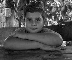 Série Guatémala - Enfants d'un village (Eric Bromme) Tags: guatémala guatemala enfant child criança visage face retrato noiretblanc blackandwhite brancoepreto retratoembrancoepreto villageois regard pose
