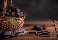 """""""Un regaló esta mañana"""" (mariajoseuriospastor) Tags: higos stilllife bodegón frutas"""