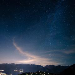 Vercorin, une station à la bonne échelle (prenzlauerberg) Tags: 2018 vercorin valais suisse switzerland schweiz ciel étoile nuit night montagne éclairage nikond610 1424 paysage landscape