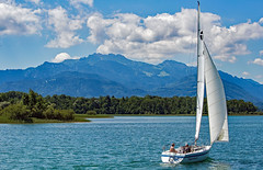 beautiful Bavaria (werner boehm *) Tags: wernerboehm chiemsee alpen kampenwand segelboot sailor clouds herreninsel sky cloud lake nature bavaria germany europe