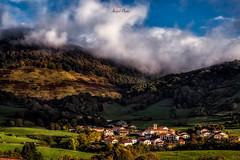 Beruete (atvjavi) Tags: navarra atvjavi beruete amanece despierta irix irixespaña nubes clouds pueblo