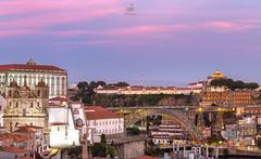 The Wait (Gi Cristóvão) Tags: 2018 porto portugal anoitecer astrofotografia astrophotography bloodmoon eclipselua luacheia miradourovitoria moon moonrise sunset pt full travel travelphotography city cityscape