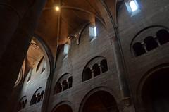 Cathédrale de Modène (RarOiseau) Tags: modène italie emilieromagne cathédrale intérieur architecture contreplongée eu saariysqualitypictures