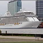 Amsterdam Noord : zicht op de cruiseterrminal PTA thumbnail