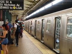 201807095 New York City subway station '125th Street' (taigatrommelchen) Tags: 20180729 usa ny newyork newyorkcity nyc manhattan harlem icon urban railway railroad mass transit subway station tunnel train mta r160a
