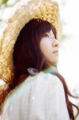 82780001 (左 撇子) Tags: girl girls love beautiful light taiwan taipei tangjashang jashangtang fujifilm fineart fujic200 富士底片 左撇子 左撇子人像 左撇子攝影 左撇子人像寫真 左撇子底片人像 左撇子底片 底片 底片機 底片人像 底片攝影 底片寫真 canon canoneos1v 50mmf18stm