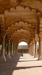 Seeking Audience (Eye of Brice Retailleau) Tags: angle beauty composition perspective scenic view asia backpacking city unesco architecture temple bâtiment arch arche light red fort india inde agra man people scale vanishingpoint