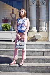 crop_top_with_ruffle-18 (Stacyco) Tags: sewing sewingproject flower fashion fabric fashionstreet fashionblogger summer flowers floral print pink moscow russia style streetstyle croptop trend outfit outdoor burda burdastyle blogger beautiful blog