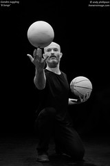 Gandini Juggling - '8 Songs'_R9A9618bw (Andy Phillipson) Tags: andyphillipson livewireimagecom gandinijuggling juggling 8songs seangandini gandinijuggling8songs