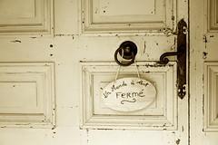 Fermè (Loredana Consoli) Tags: rochenfortenterre bretagna brittany france francia door porta rusty