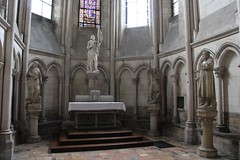 Jeanne d'Arc (demeeschter) Tags: france champagne aube troyes city town building architecture church cathedral religion culture art street medieval museum archaeology heritage historical