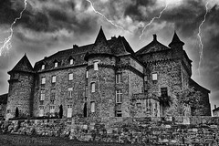 "Inspired by Michael Jackson's ""Ghost"" (Sébastien Vermande (Only the Weekend)) Tags: canon100d france midipyrénées lot château castle enchantment retouche traitement treatment hdr bw nb éclair orage foudre thunder sigmaart1835mmf18dchsm vermande"