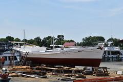 Spring Maintenance - Dorothy Lee (Chesapeake Bay Maritime Museum Photos) Tags: dorothy lee dovetail draketail chesapeake boat woodenboatbuilding wooden chesapeakebaymaritimemuseum