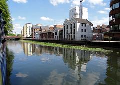 02 | Blake's cottages – river Kennet (Mark & Naomi Iliff) Tags: river cruise thamesrivercruise boat mv ladycaroline kennet blakes cottages