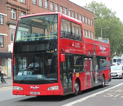 RAPT Original London Sightseeing Tour . VLE 616 LJ07XET . IMEX Roundabout , Waterloo , London . Sunday 12th-August-2018 . (AndrewHA's) Tags: rapt original london sightseeing tour volvo b9tl east lancs visionaire open top vle 616 lj07xet city tours holiday vacation