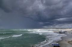 wenn der Himmel das Meer berührt... (wolfi-rabe) Tags: nordsee sturm brandung regenwolken sonnenlicht wellen