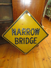 Old antique wooden Narrow Bridge traffic sign (RS 1990) Tags: old wooden trafficsign antique narrowbridge australia australian southaustralia adelaide august 2018 thursday 16th kingspark