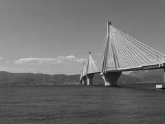 """Γέφυρα""""Χαρίλαος Τρικούπης"""" Ρίο-Αντίρριο   P1050879 (amalia_mar) Tags: 7dwf bw blackandwhite black bridge sea sky rioantirrio greece θάλασσα ουρανόσ γέφυρα ρίοαντίρριο ελλάδα γέφυραχαρίλαοστρικούπησ"""
