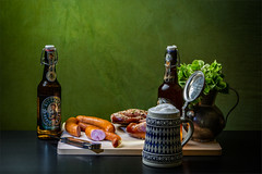 Buon appetito (flechris) Tags: tabletop essen food cibo jedzenie bier piwo birra beer wurst sausage salsiccia kielbasa
