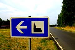 Signboard to Autobahnkirche (davidvankeulen) Tags: europe europa deutschland duitsland autobahnkirche snelwegkerk kerk chuch kirche highway autobahn bahn urbanlandscape urbanfield davidvankeulen davidvankeulennl davidcvankeulen urbandc autohofkapelle hamm