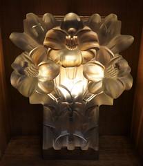 Lalique lily light - The Glass Church (Monceau) Tags: lilies light renélalique glasschurch stmatthewschurch jersey millbrook lalique