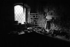 Cucinare medievale in bianco e nero (giulbi1) Tags: fortezza cucinare medioevo ricostruzione verrucole italia toscana scenografia amazing archeopark
