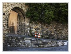 Archway (bavare51) Tags: saillon wallis schweiz architektur historisches strasen rhonetal motive