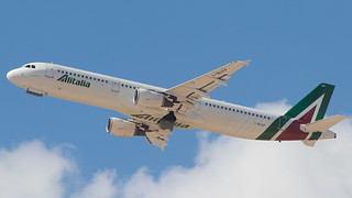 TLV - Alitalia Airbus 321 I-BIXP