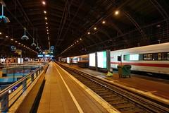 Hauptbahnhof Köln (mama knipst!) Tags: bahnhsteig hauptbahnhof bahnhof trainstation köln cologne