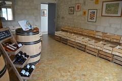 Une autre cave (Azay-Chinon Val de Loire Tourisme) Tags: vin oenotourisme produits locaux chinon touraine gastronomie saintbenoitlaforet la ruche qui dit oui