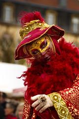 Longwy (M4x G4x) Tags: longwy carnaval mask masque red rouge fourrure déguisement venitien chapeau écharpe tenue doré