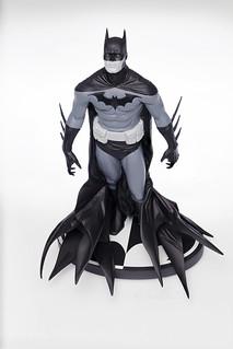 Batman (B/W) | Statue | DC Collectibles