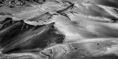 Bromo volcano, Indonesia (pas le matin) Tags: bromo volcano sand sable volcan travel voyage world landscape paysage courbes curves asia asie indonesia indonésie southeastasia canon 7d canon7d eos7d canoneos7d nb bw noiretblanc blackandwhite monochrome